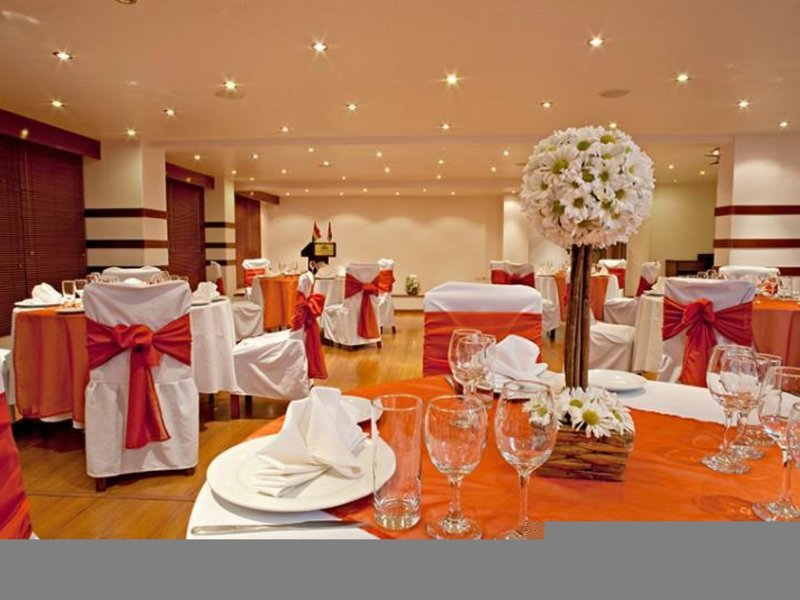 Camino Real Aparthotel & Spa Restaurant
