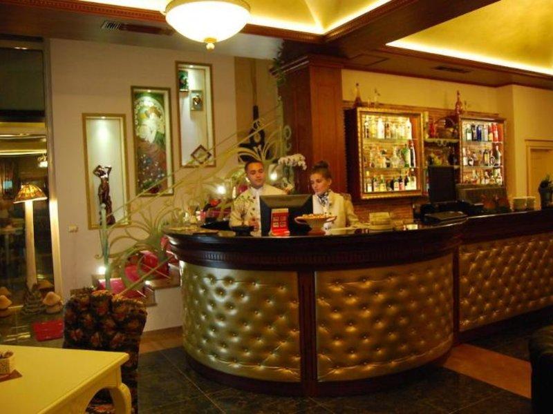 2Kitarrat Hotel Boutique& Spa Bar