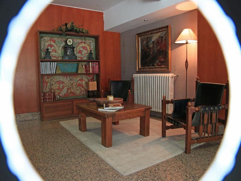 Gran Hotel Regente Lounge/Empfang
