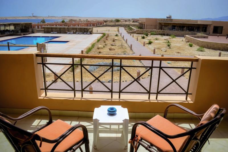 VIVA BLUE Resort & Diving Sports - Erwachsenenhotel Terrasse