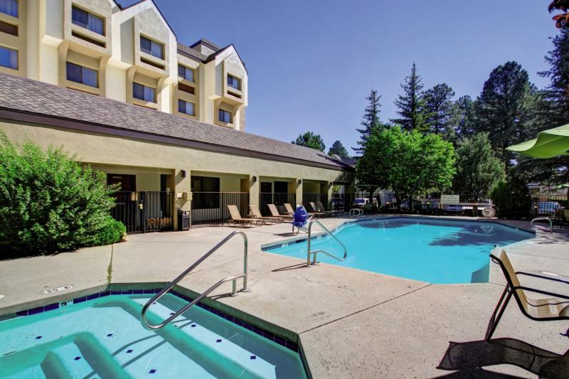 DoubleTree by Hilton Hotel Flagstaff Pool