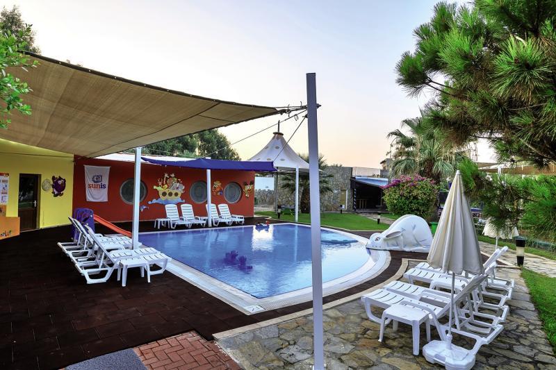 Sunis Elita Beach Resort Pool