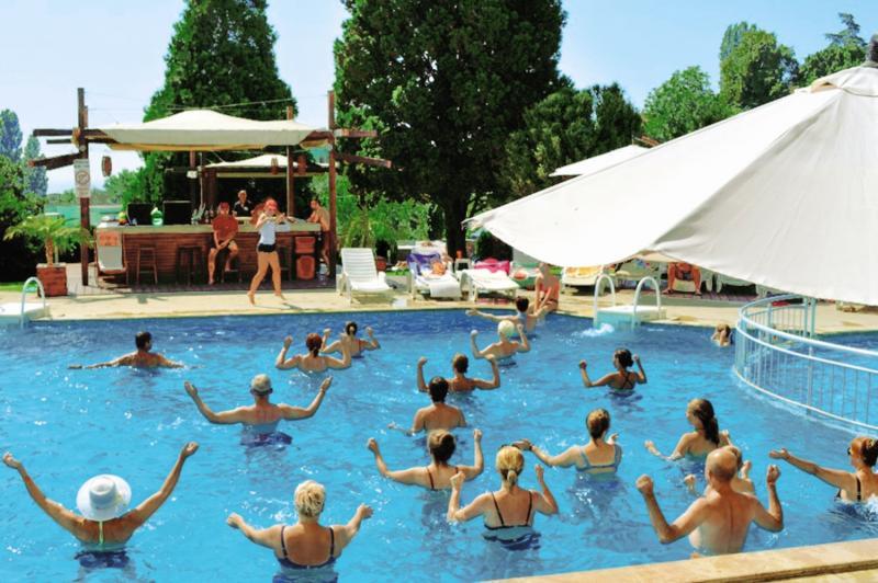Detelina Pool
