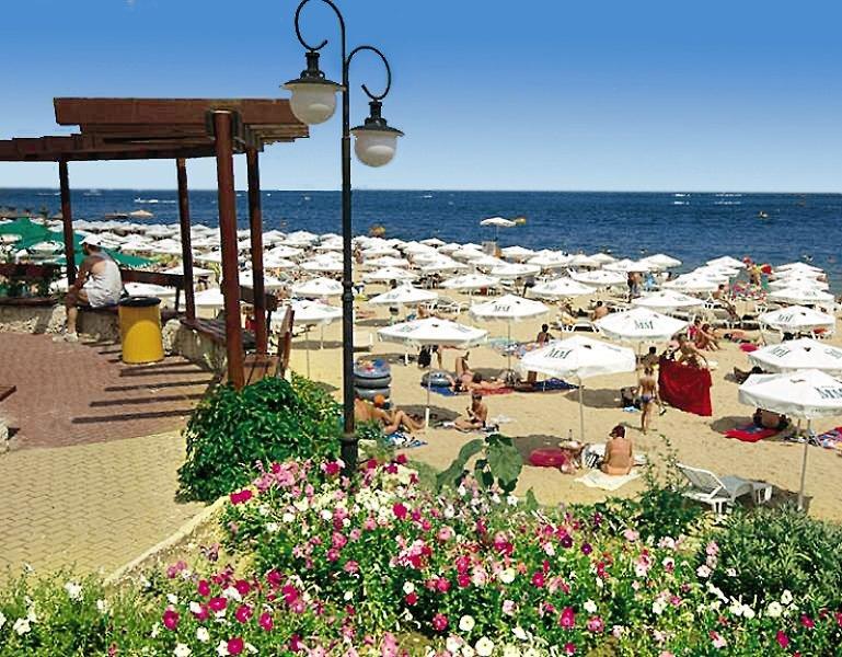 Bonita Beach Strand