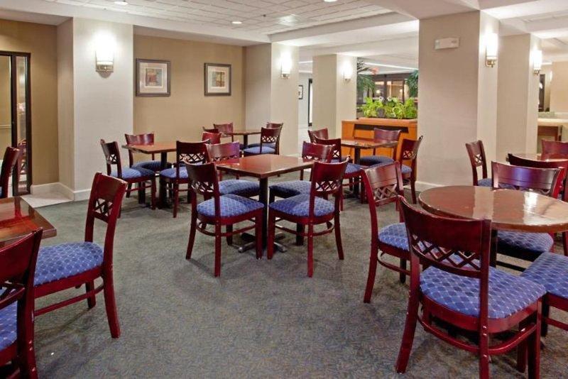 Comfort Inn & Suites Southwest Fwy at Westpark Restaurant