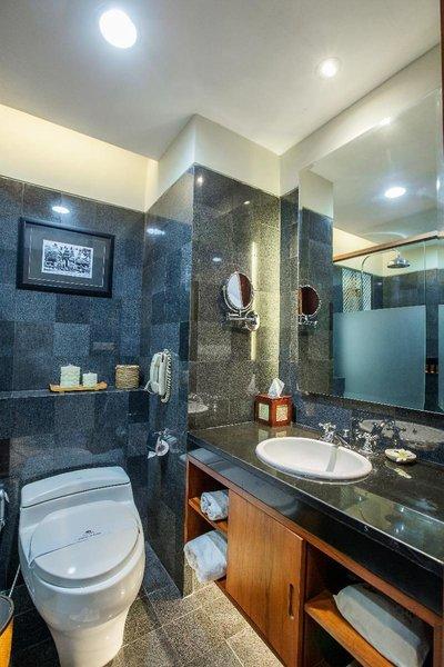 Kuta Seaview Boutique Resort & Spa Badezimmer