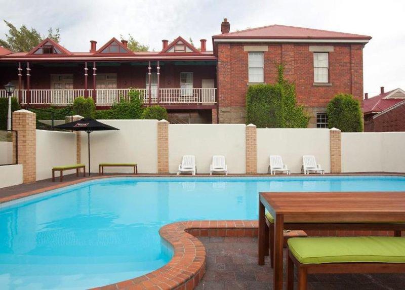 Rydges Hobart Pool