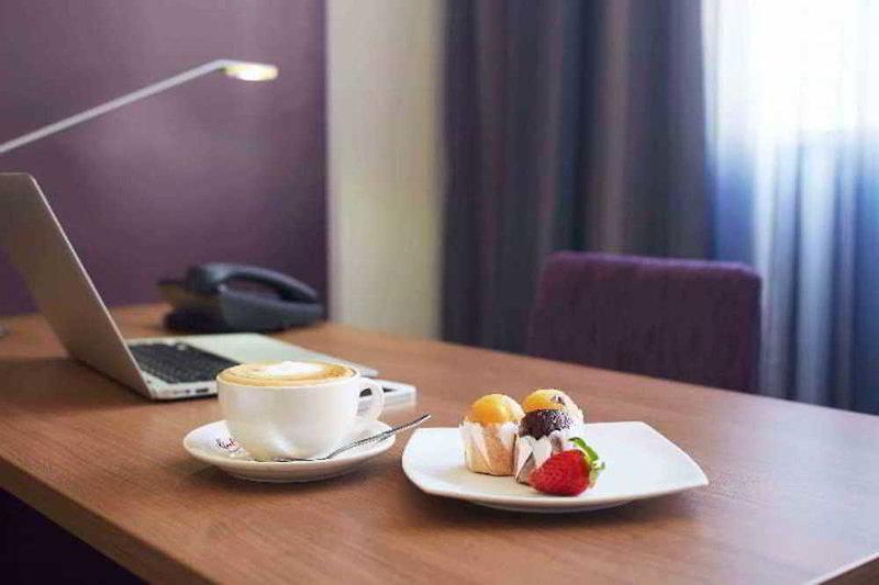 Quality Hotel Ambassador Perth Badezimmer