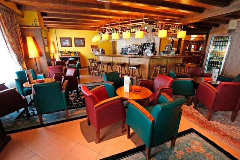Ski Plaza Bar