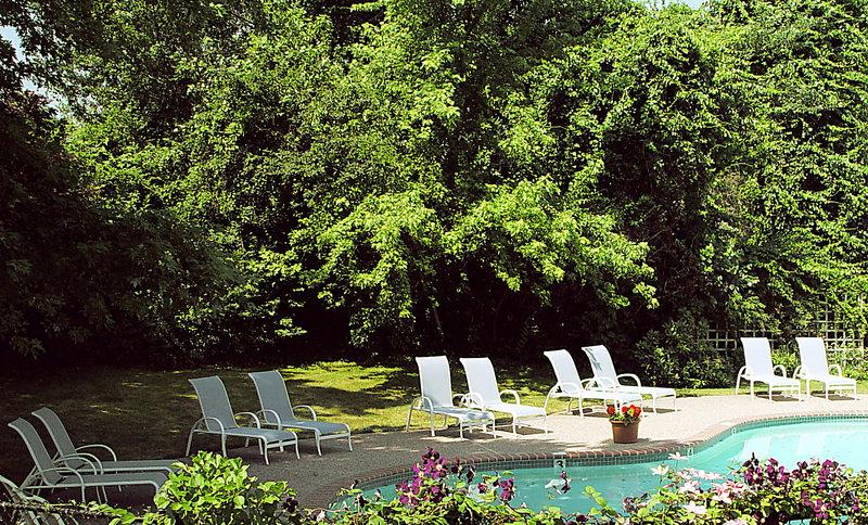 The Queen Anne Inn & Resort Pool