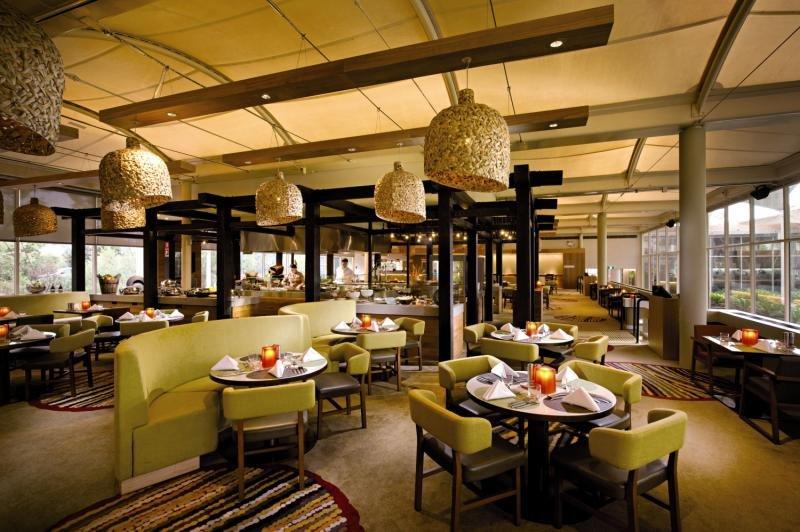 Sails in the Desert a member of Pullman Hotels Restaurant