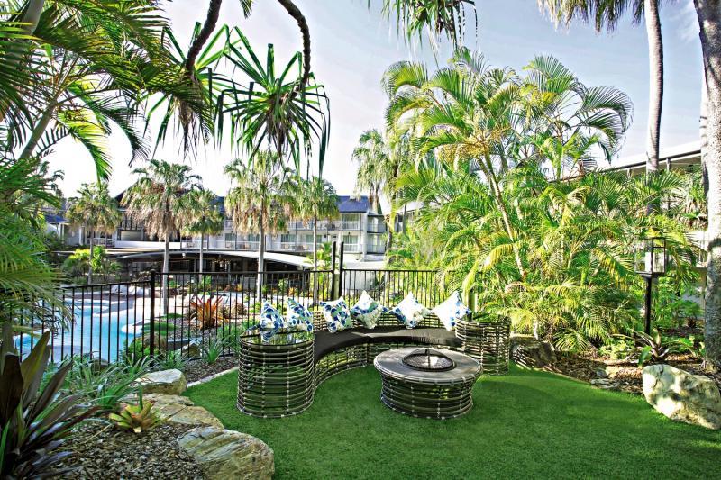 Mantra Club Croc Garten