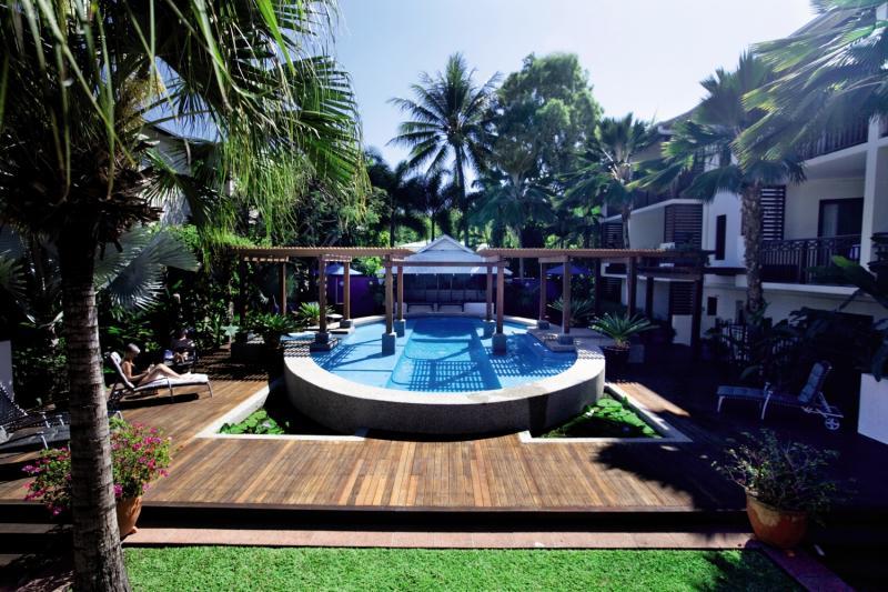 Freestyle Resort Port Douglas Pool