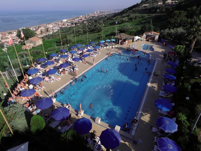 Camping Village Europe Garden Centro Vacanze Pool