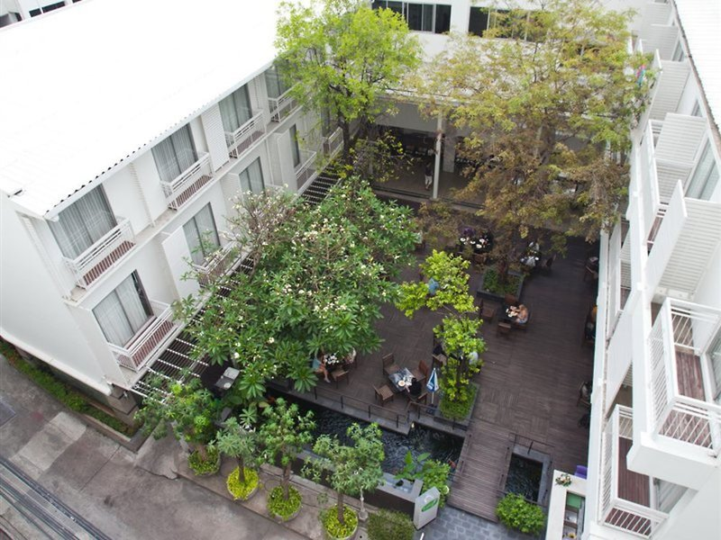 Trang Hotel Bangkok Außenaufnahme