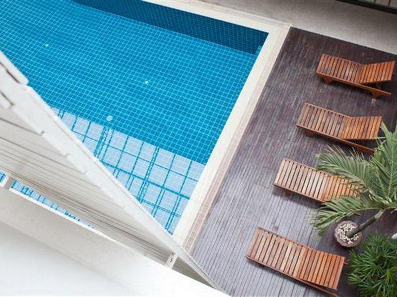 Trang Hotel Bangkok Pool