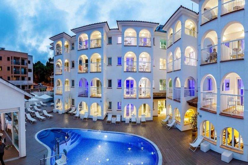 R2 Bahia Cala Ratjada Design Hotel - Erwachsenenhotel Außenaufnahme