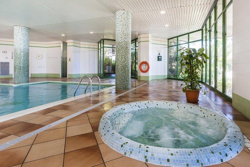 Globales Nova Apartments Hallenbad