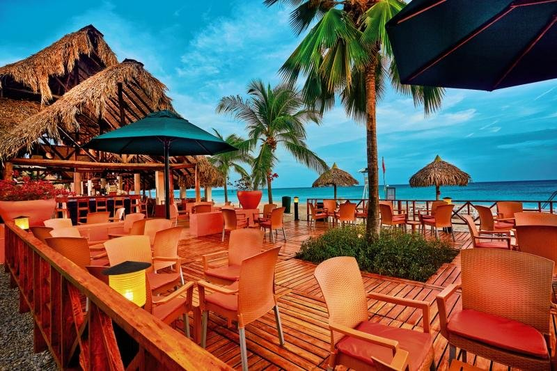 Royal Decameron Golf Beach Resort & Villas Bar