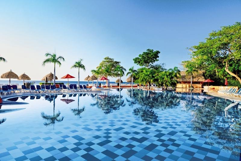 Royal Decameron Golf Beach Resort & Villas Pool