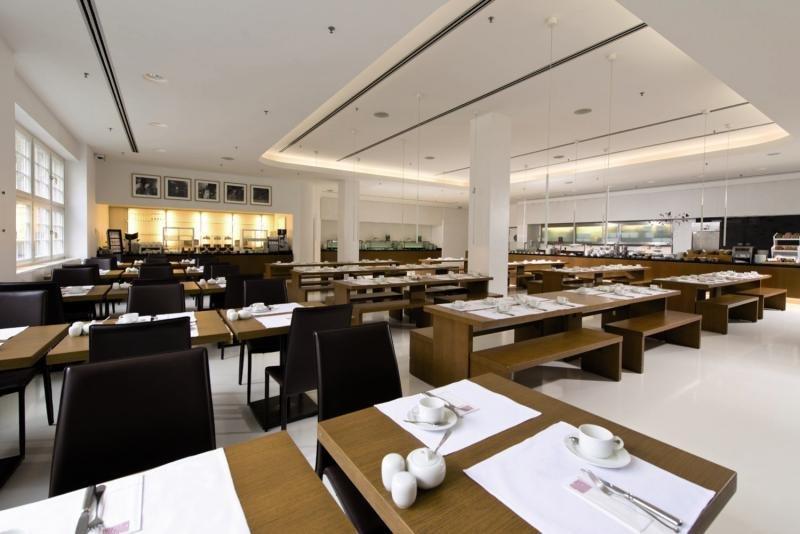 Ellington Berlin Restaurant