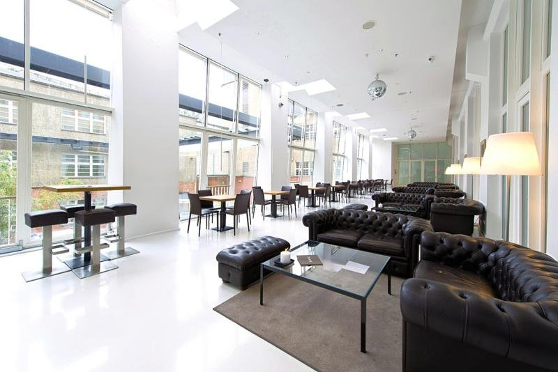 Ellington Berlin Lounge/Empfang