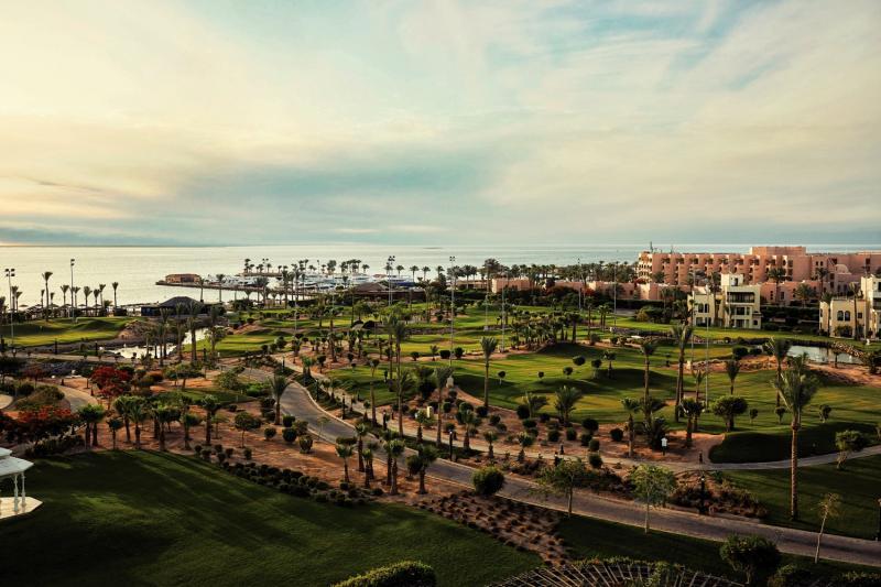 Steigenberger Al Dau Beach Hotel Garten