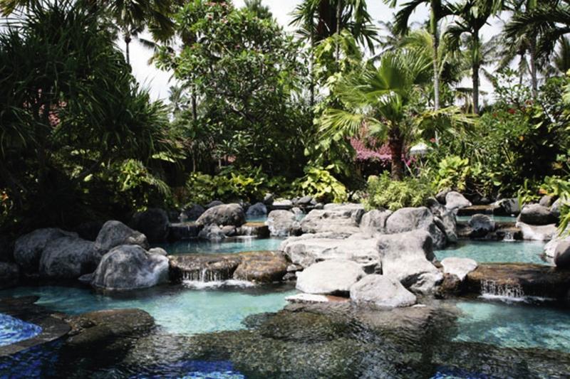 Parigata Villas Resort Pool