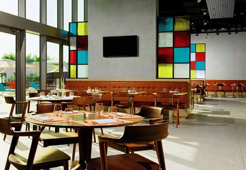 Aloft Palm Jumeirah Restaurant