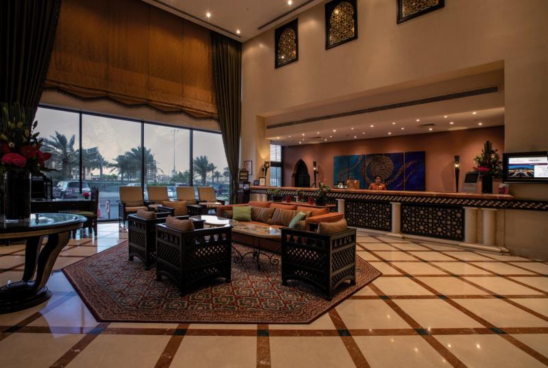 Mercure Grand Hotel Seef Bar