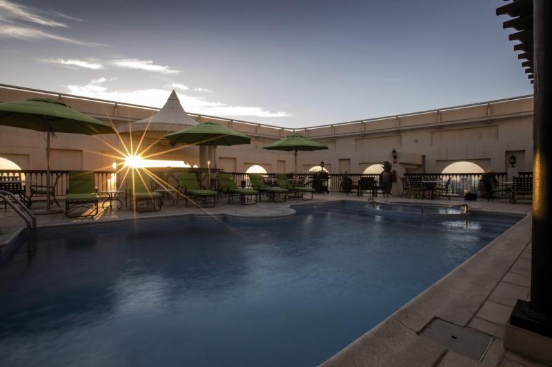 Mercure Grand Hotel Seef Pool
