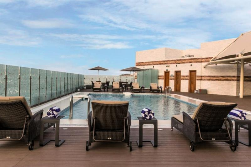 Coral Muscat Hotel & Apartments Terrasse