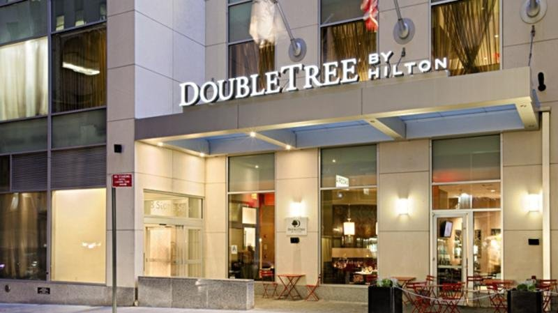 Doubletree New York Financial District Außenaufnahme