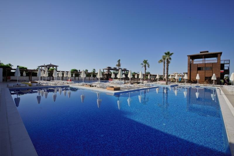 TUI DAY&NIGHT Connected Club Life Belek  Pool