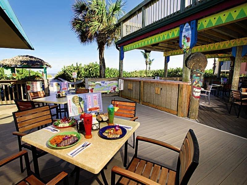 International Palms Oceanfront Resort Cocoa Beach Bar