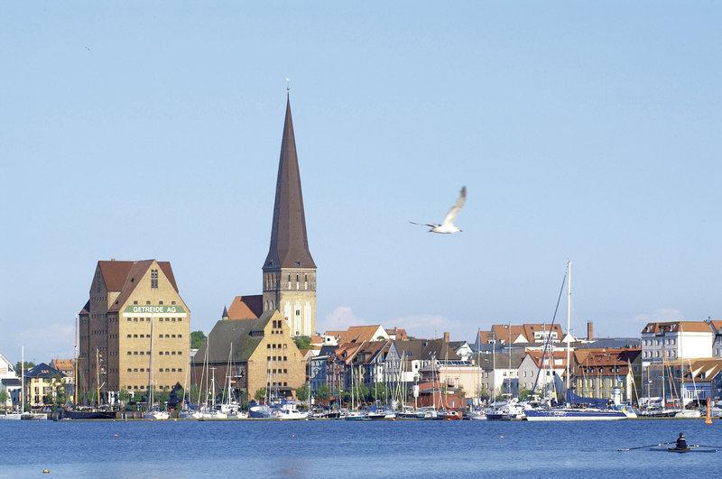 Elbotel Rostock Außenaufnahme