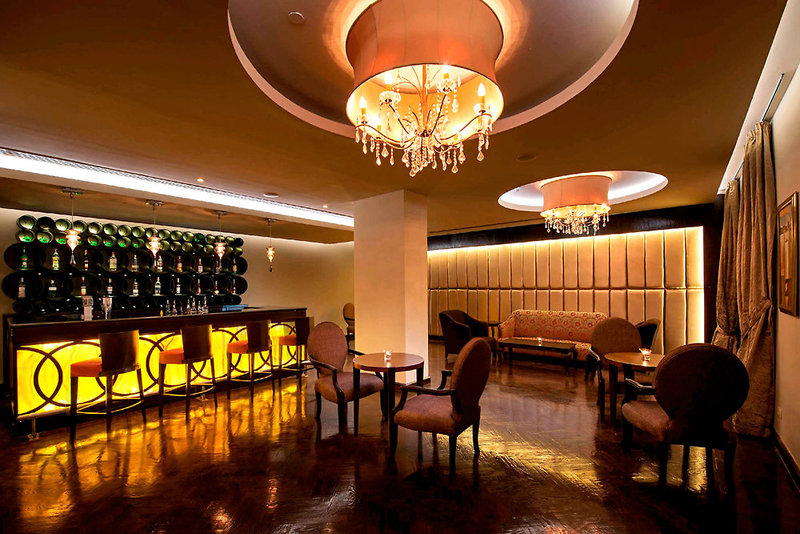 Baron Palace Resort Bar