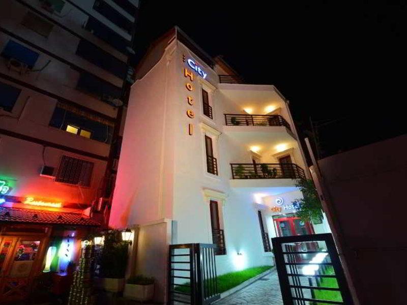 City Hotel Tirana Außenaufnahme