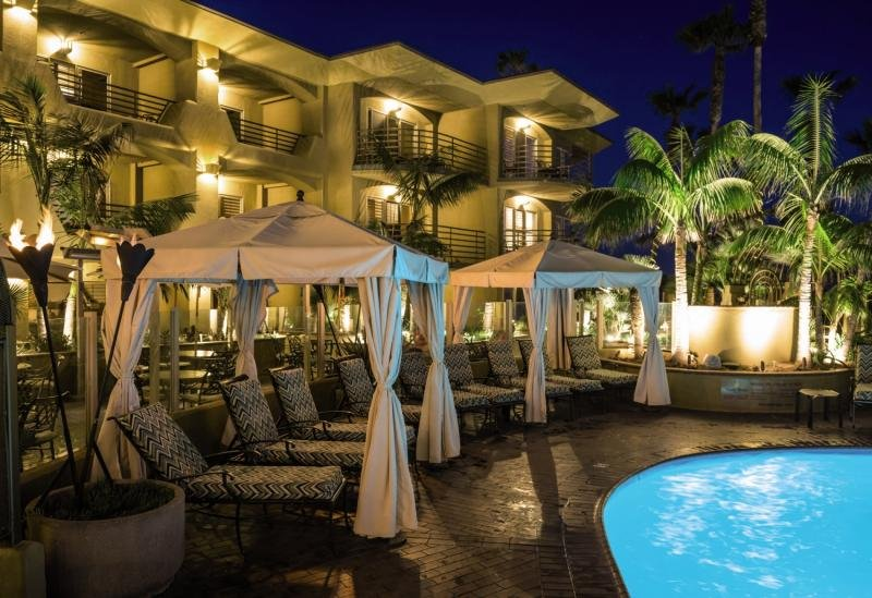 Pacific Terrace Pool