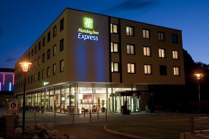 Holiday Inn Express Singen Außenaufnahme