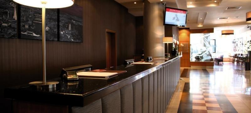 Jurys Inn Croydon Bar