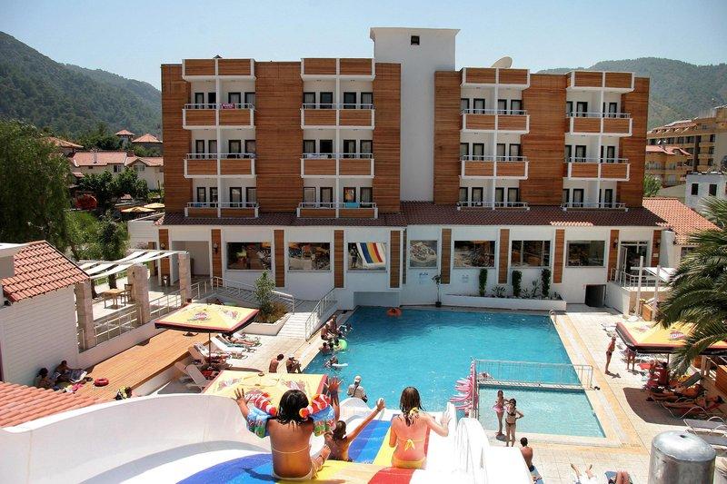 Online bestellen: Club Munamar Beach Resort